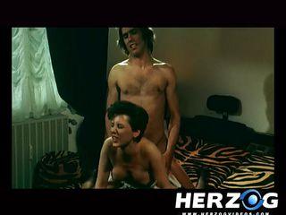 Скачать бесплатно порно ролик измены жены
