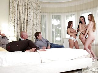 Порно как изменяют русские жены в групповом